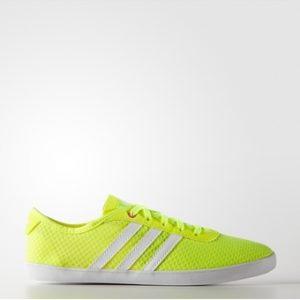 Giày thể thao nữ Adidas VS QT Vulcanised SEA W AQ1470 (Vàng)